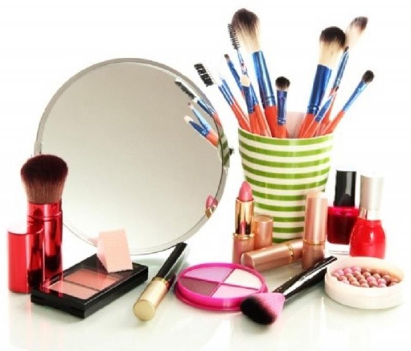 نمایشگاه آرایشی ، بهداشتی ، پوست ، مو و زیبایی ؛شیراز - بهمن 97