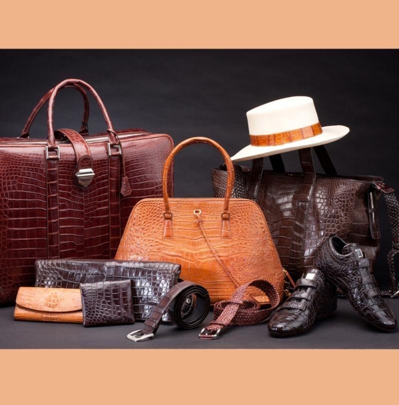 نمایشگاه کیف و کفش، ماشین آلات و محصولات پوست و چرم  ؛مشهد - مرداد 98