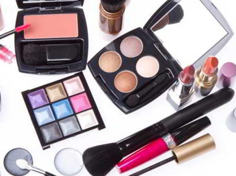 نمایشگاه محصولات آرایشی، بهداشتی، سلامت و زیبایی همدان آذر و دی 98